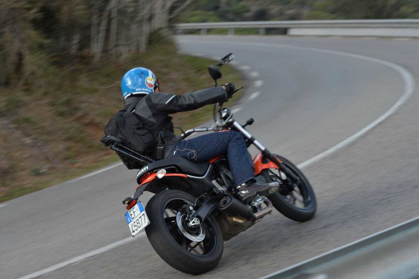 ducati scrambler sixty2 review, italian's new top seller ? | real