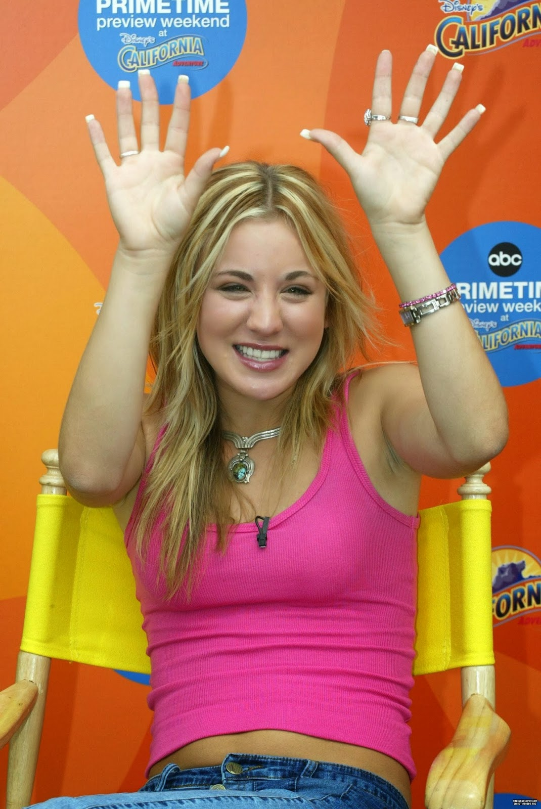 Kaley Cuoco Belly and ...