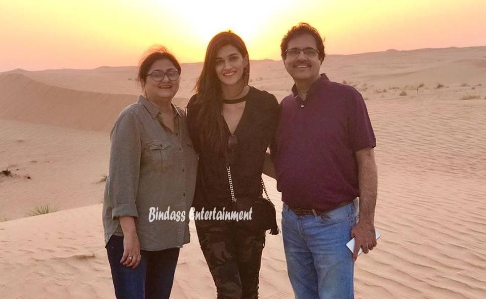 Kriti Sanon Family 5