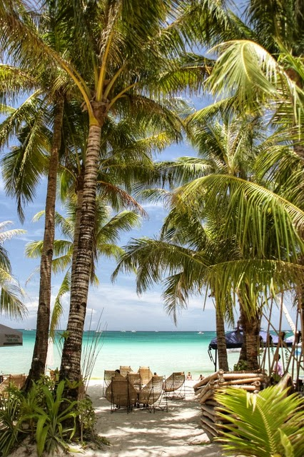 10 Most Famous Travel Destinations In Philippines | Boracay,in Philippines