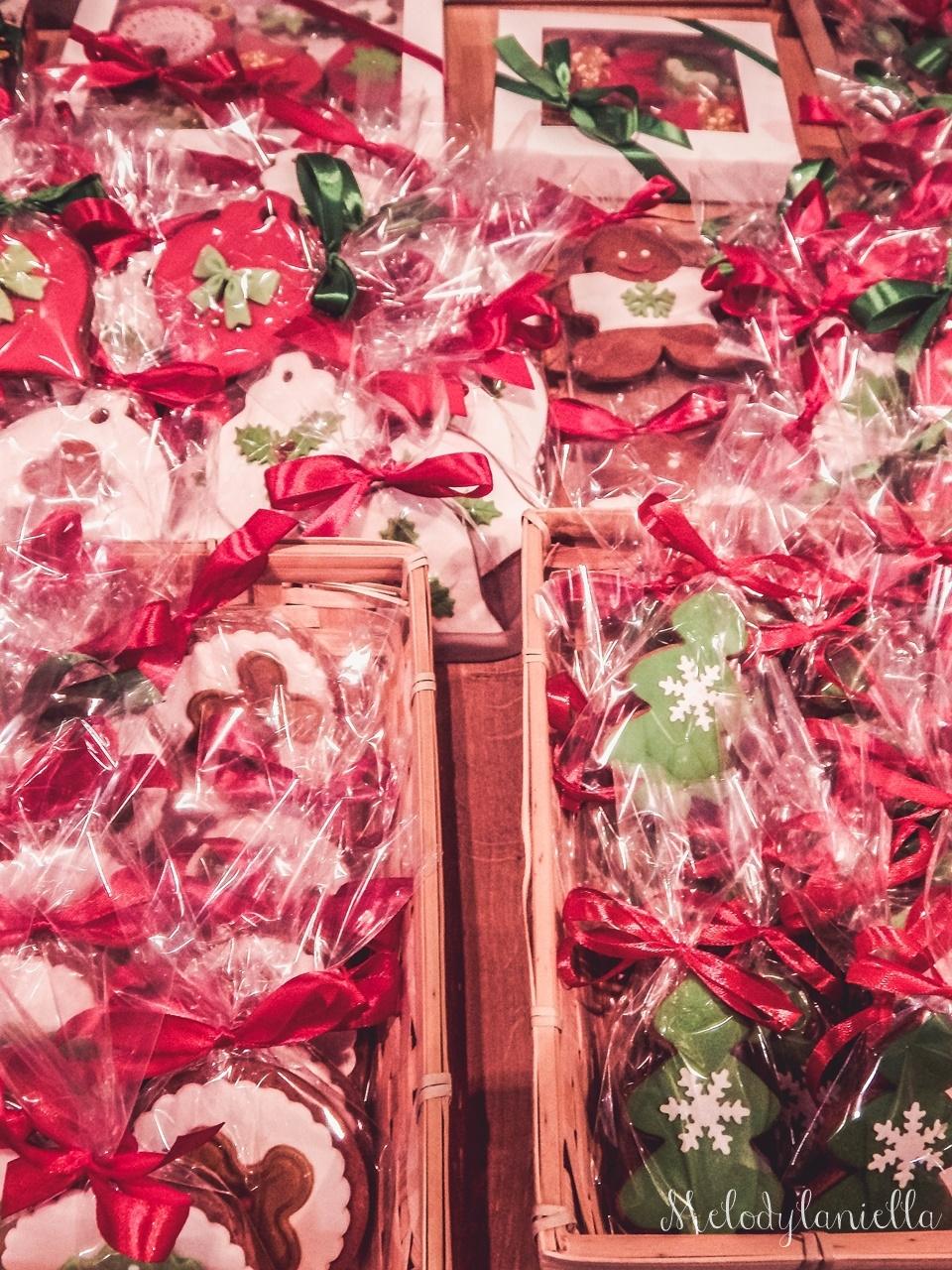 2 nietypowy jarmark świąteczny piotrkowska 217 co dzieje się w łodzi dwukropek ogrody zofii bożonarodzeniowy jarmark targ świąteczny świat z lukru pierniki świąteczne łódź biżuteria handmade piando zigner