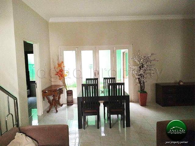 Rumah 2 Lantai dalam Perum Merapi Regency
