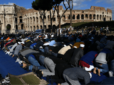Muslims-Rome-640x480.png