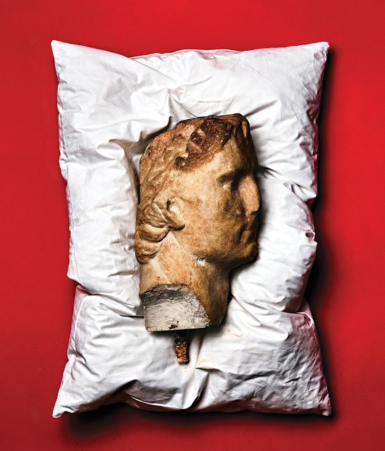 O αρχαιοελληνικός αμφορέας και τα πολύτιμα αντικείμενα της μυθικής συλλογής των Ροκφέλερ που δημοπρατούνται