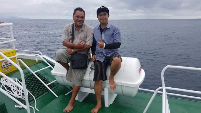 Nikmati Suasana Dek NS Boat