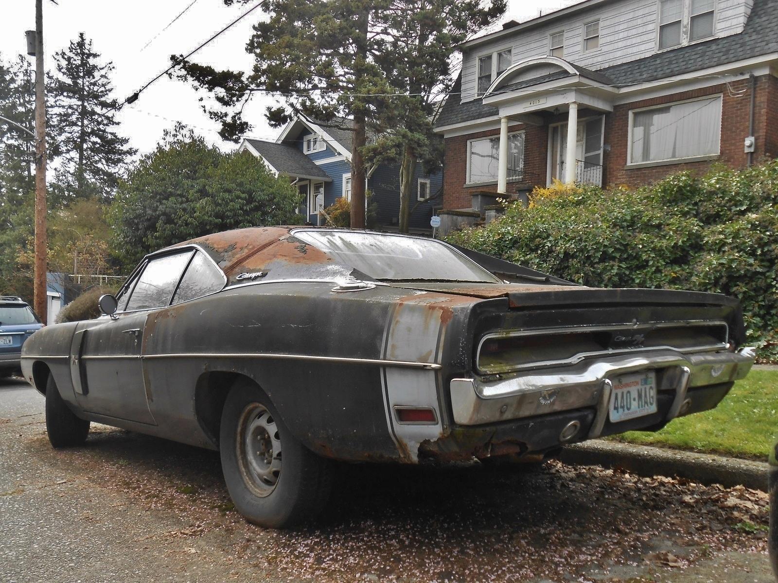seattle 39 s parked cars 1970 dodge charger r t. Black Bedroom Furniture Sets. Home Design Ideas