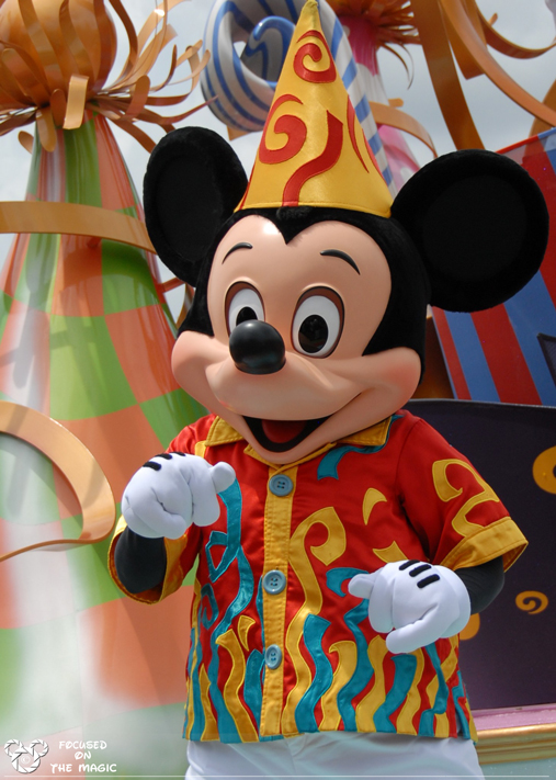 Move It! Shake It! Celebrate It ! With Mickey!
