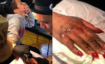 Tatuaje de Rihanna en la mano