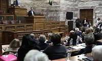 Αυτοί είναι οι βουλευτές του ΣΥΡΙΖΑ που διαφωνούν με την αναδοχή από ομόφυλα ζευγάρια