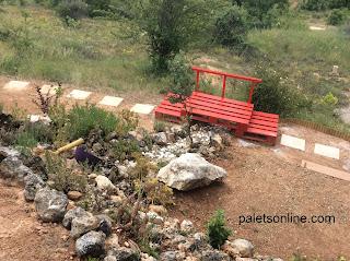 puente de europalet color rojo mueblesconpalets.com
