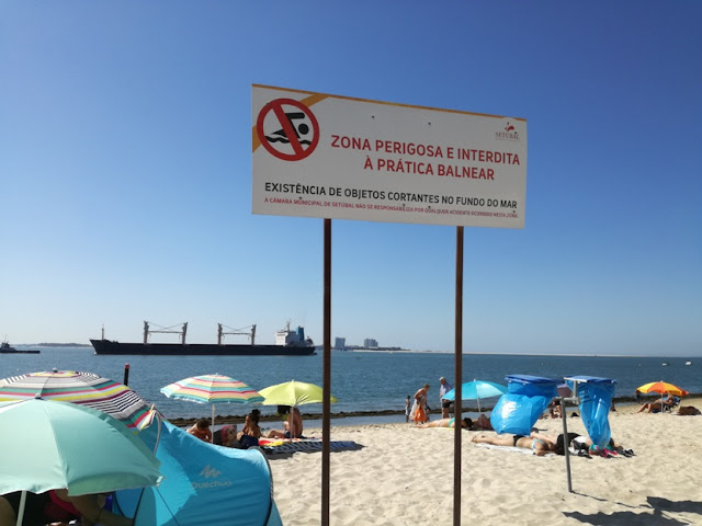 Zona perigosa e interdita a prática balnear