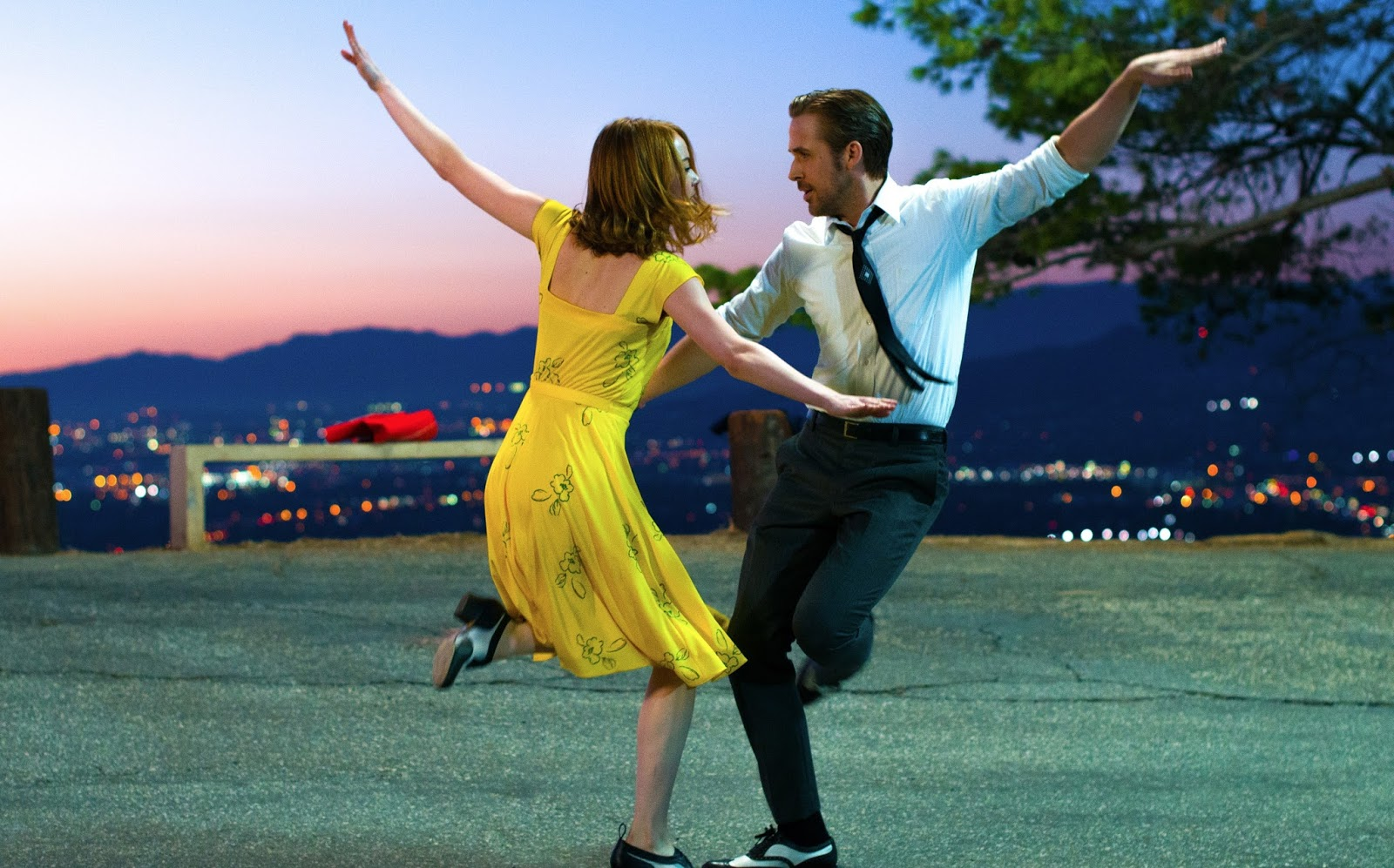 "Ryan Gosling e Emma Stone no trailer do musical romântico ""La La Land: Cantando Estações"""