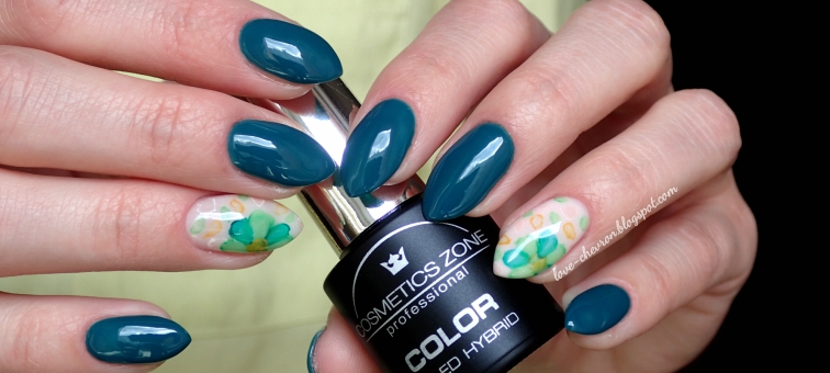 Cosmetics Zone | lakier hybrydowy | 047 Aventurine Blue | farbki akwarelowe |manicure hybrydowy | inspiracje paznokciowe | kwiaty na paznokciach | blur effect |  floral watercolor nails |  watercolor nails | watercolor flower nail art |