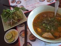 Bun bo Hue dish