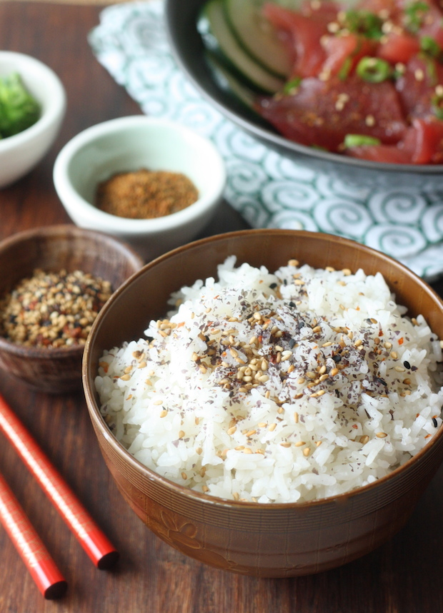 Rice topped with Japanese Sesame Seasoning (Gomaisio) by SeasonWithSpice.com