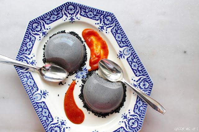 flan rose coco sésame noir coulis abricot