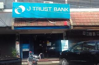 JAM BUKA J TRUST BANK ATAU BANK MUTIARA INDONESIA