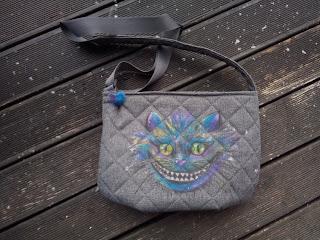 ręcznie malowany kot, torebka pikówka szara, kolorowy kot z Alicji w Krainie Czarów