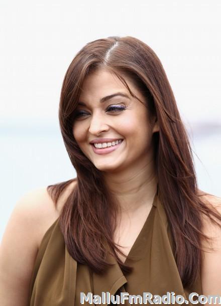 Nude Women Sexy Naughty Aishwarya Rai Bachchan Cummable Face-4537