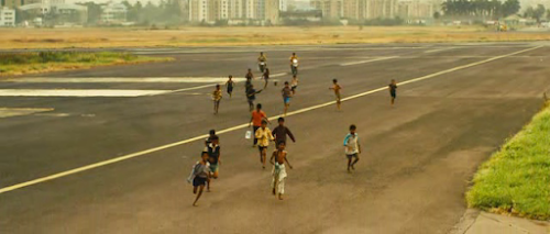 Slumdog.Millionaire.2008.Hybrid.BRRip.LATiNO.XviD-00434.png
