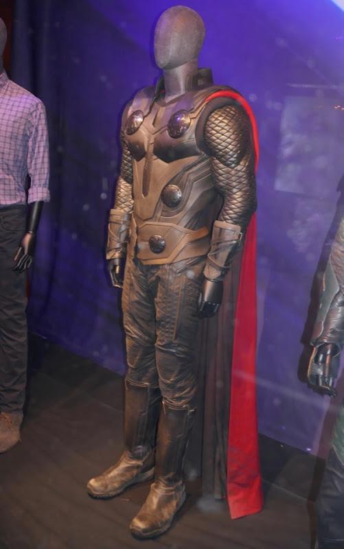 Chris Hemsworth Avengers Infinity War Thor costume
