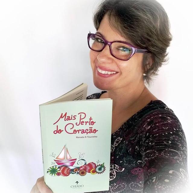 """Moradora do bairro lança o livro """" Mais Perto do Coração"""""""