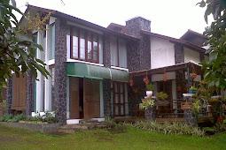 Villa Istana Bunga Lembang di sewakan
