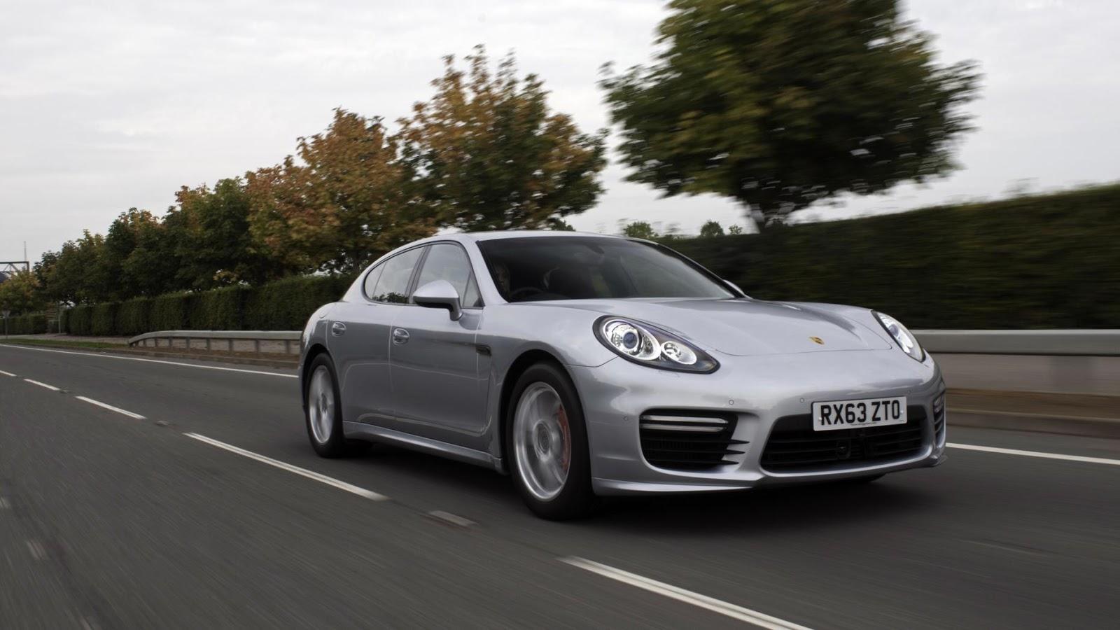 Porsche Panamera Turbo S - tăng tốc từ 0 - 100 km/h trong 3.8secs