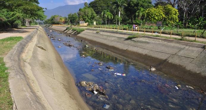 Recuperan cadáver de joven que se ahogó en canal de riego en Villa González