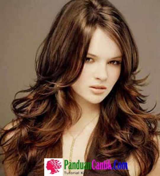 Model Curly Bergelombang Layer warna Merah - Contoh Model Potongan Gaya Rambut Bob Panjang Untuk Wajah Oval Dan Bulat