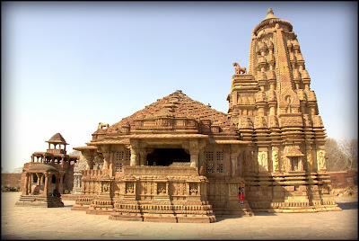 Image result for आश्चर्य कर देने वाले झुके मंदिर