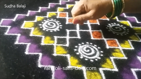 Very-easy-rangoli-with-dots-image-1as.png
