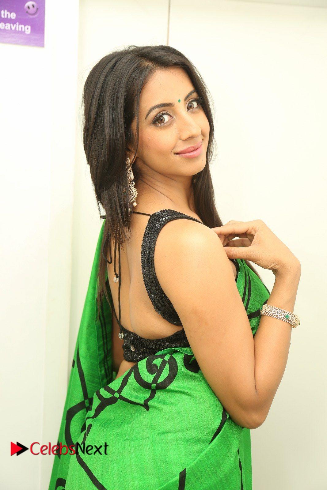 Actress Sanjjanaa Pictures at Naturals Salon Launch at Kavuri Hills  0194.JPG