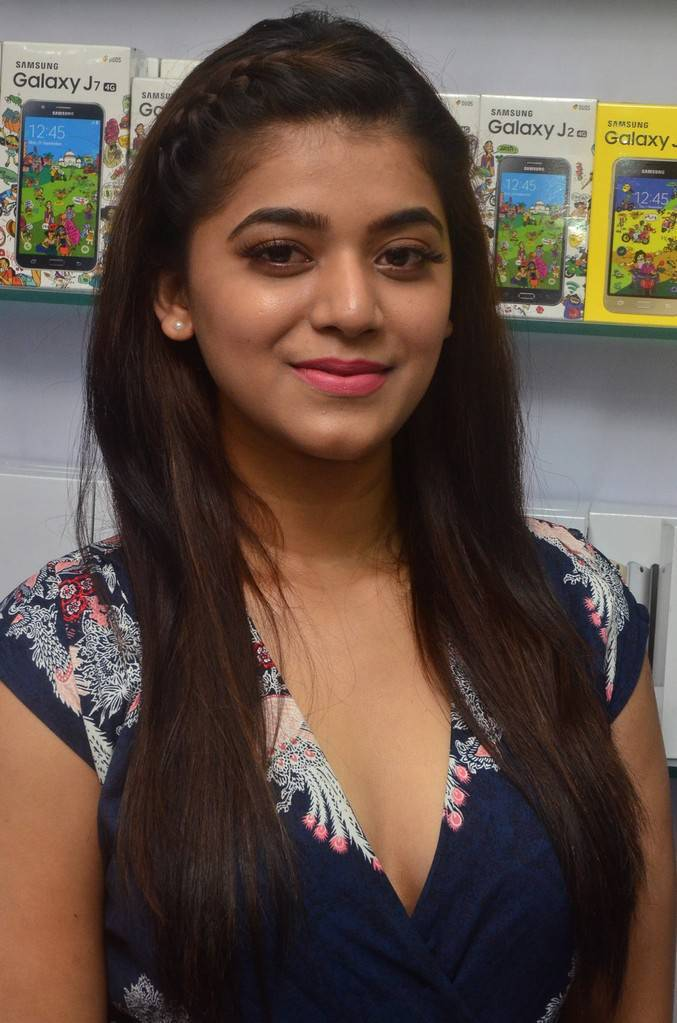 Yamini Bhaskar At 38th CELLBAY Mobile Store Launch Stills