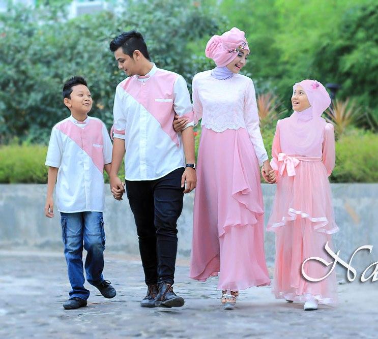 Model Baju Batik Sarimbit Untuk Pakaian Seragam Keluarga: Baju Muslim Modern Keluarga Seragam