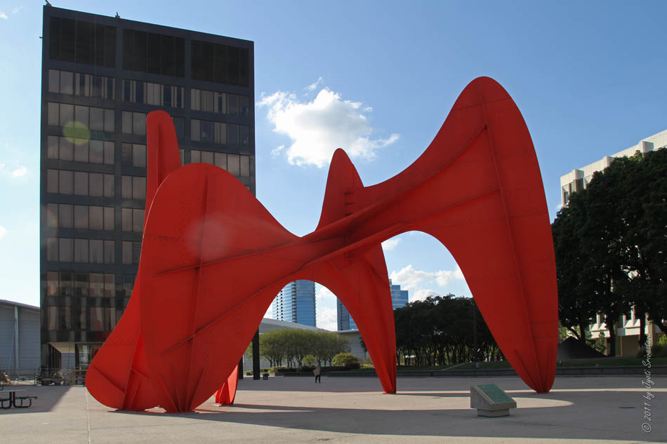 La Grande Vitesse The Bright Red Ile Created For Grand Rapids By Renowned Artist And Sculptor Alexander Calder Is A Distinctive Downtown Landmark