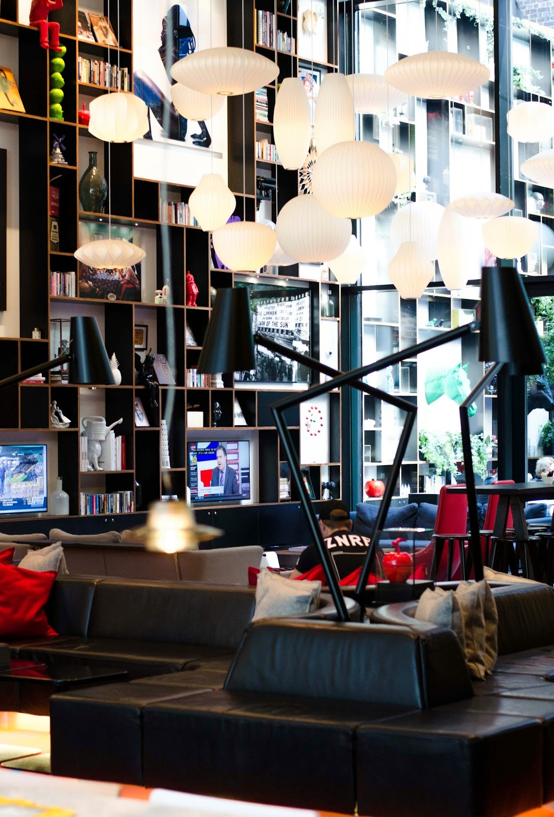 citizenm new york times square hotel lobby