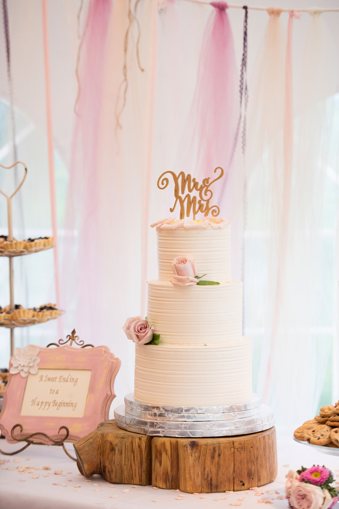 Wedding Cake by Rainbow Ranch / Jessie Moore Photography