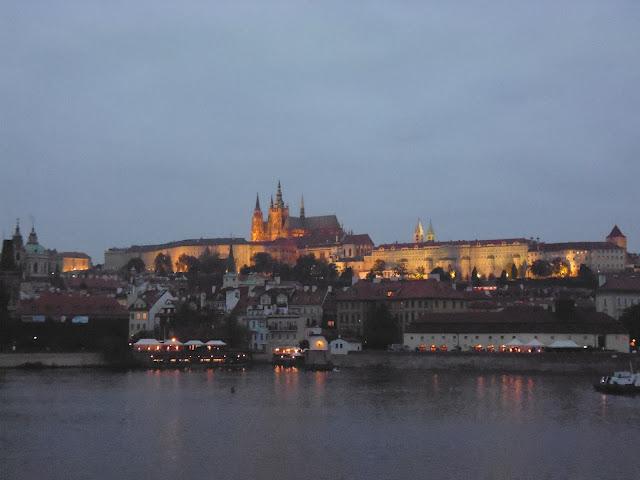 Cae la noche en Praga...el corazón inquieto de la Europa Central
