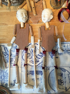 naked puppet bodies. Reflection puppet project in the making by Corina Duyn