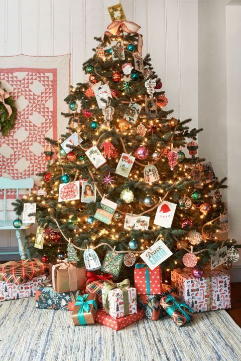 decorate tree with Christmas cards