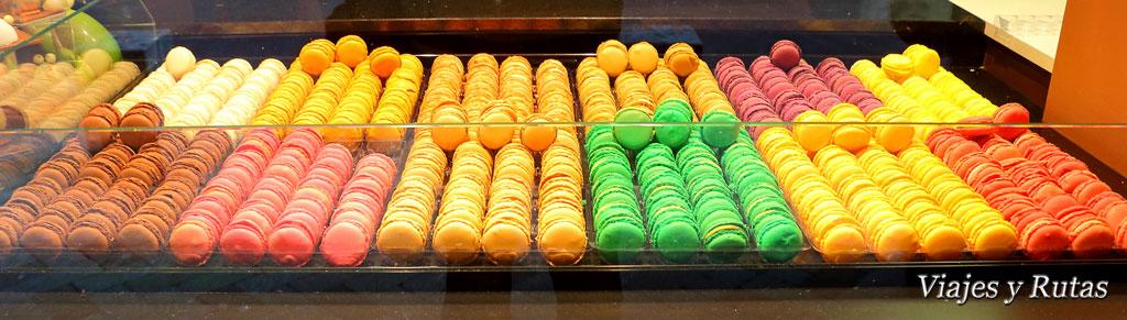 Macarons de una pastelería de Brive la Gaillarde