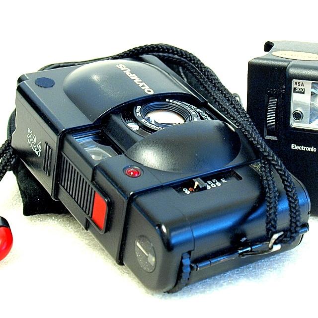 Olympus XA4 Macro 35mm Capsule Camera