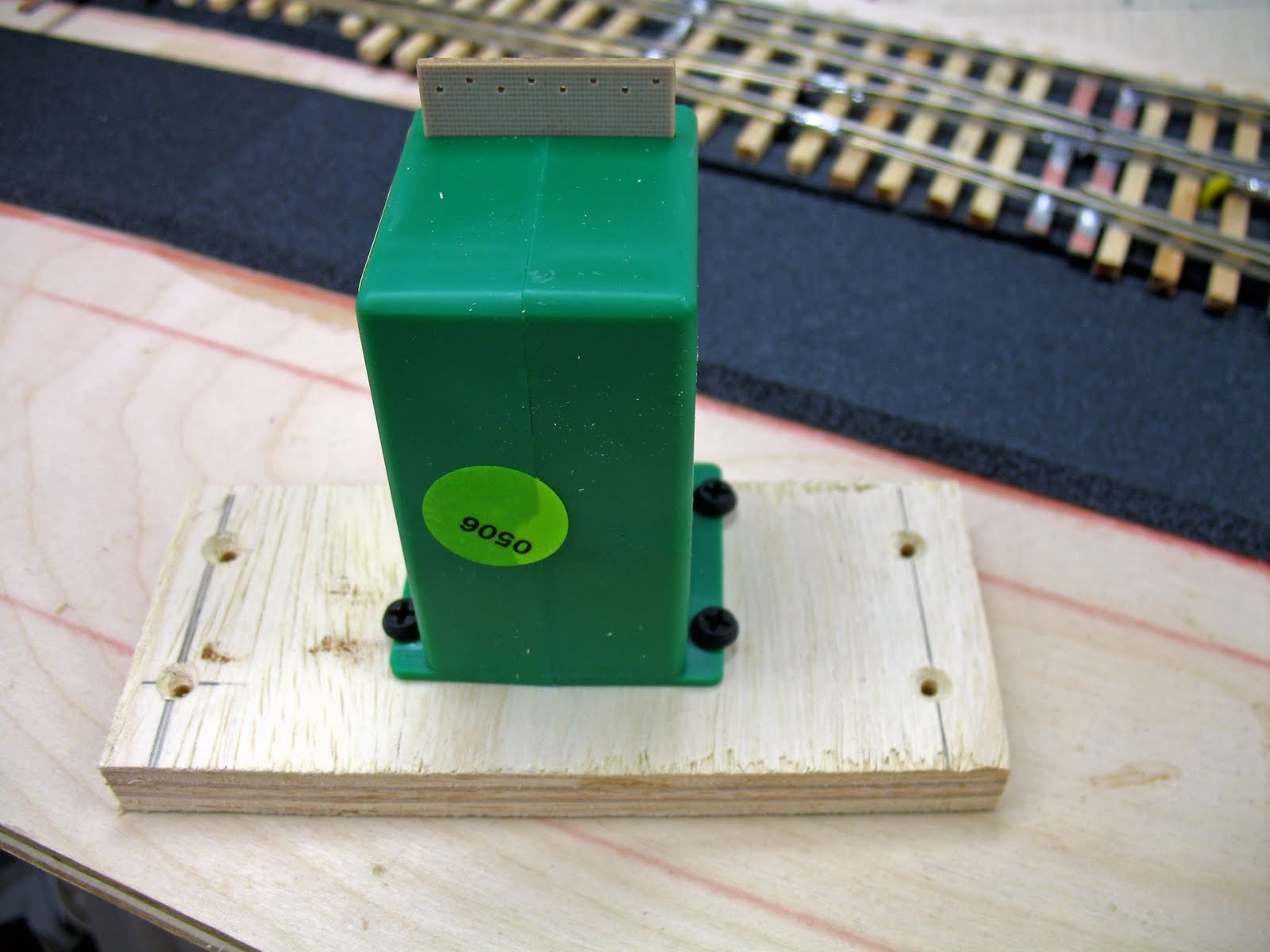 Free Model Railroad Clinics: Some Simple Switch Machine Solutions