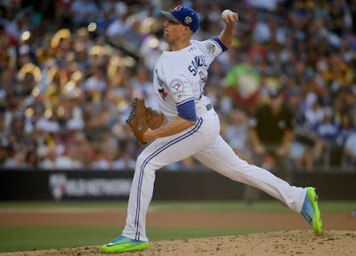 MLB : Jays Battle Snakes in Desert