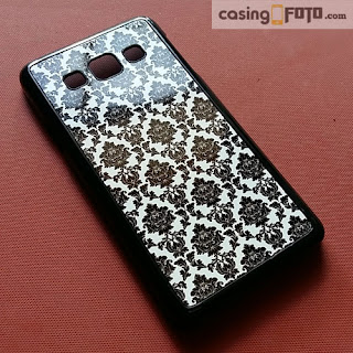 custom case corak damask