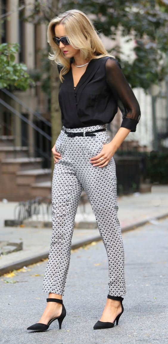 ootd | black blouse + printed pants + heels