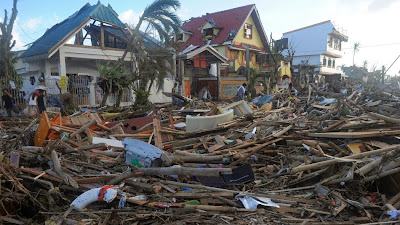 http://mashable.com/2013/11/10/help-victims-typhoon-haiyan/