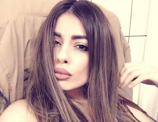 Μίνα Αρναούτη: Το αγορέ μαλλί της. η περούκα τα φίλτρα και η τραχειοτομή [ΦΩΤΟ]