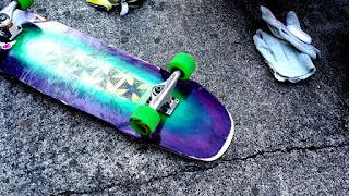 ハイブリッドロンスケデッキは何処でも滑れるスケートボード